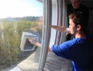 Studenti siberiani festeggiano la Giornata della Radio (FOTO, VIDEO) / Giù dalle finestre 700 televisori obsoleti