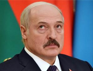 «Piccolo padre» bielorusso ha un disperato bisogno di un Papa universale / Il presidente bielorusso Aleksandr Lukashenko si reca in una visita ufficiale in Italia