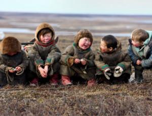Il primo asilo nido ambulante per i figli dei nomadi (FOTO) / Inaugurato in Russia oltre il Circolo Polare Artico