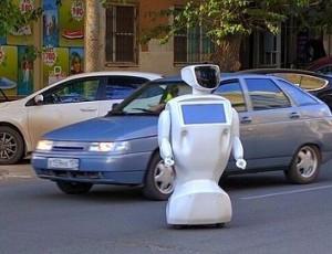 Un robot fugge dal campo di prova e provoca un ingorgo (FOTO, VIDEO)